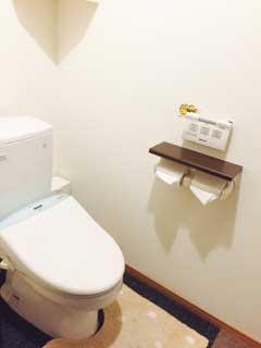 南宮崎校のトイレ(ウォシュレット完備 自動でふたが開きます)